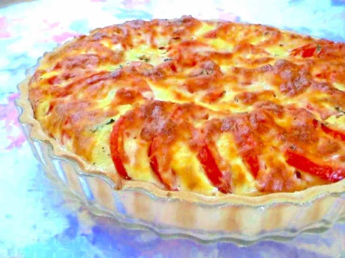 Tarte à la tomate et au basilic légère.