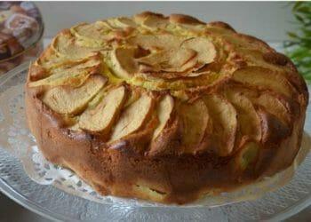 Gâteau aux pommes et à la crème,